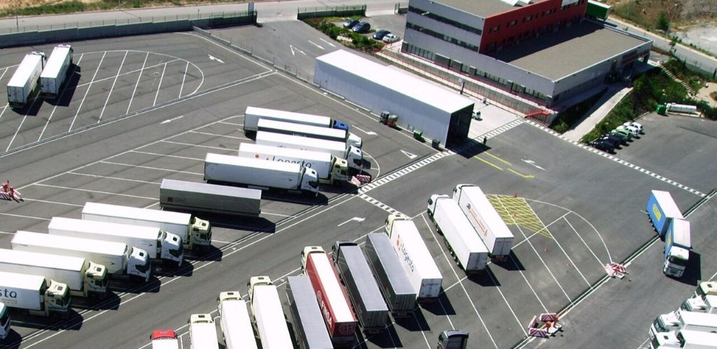Truck parking Padrosa Llers